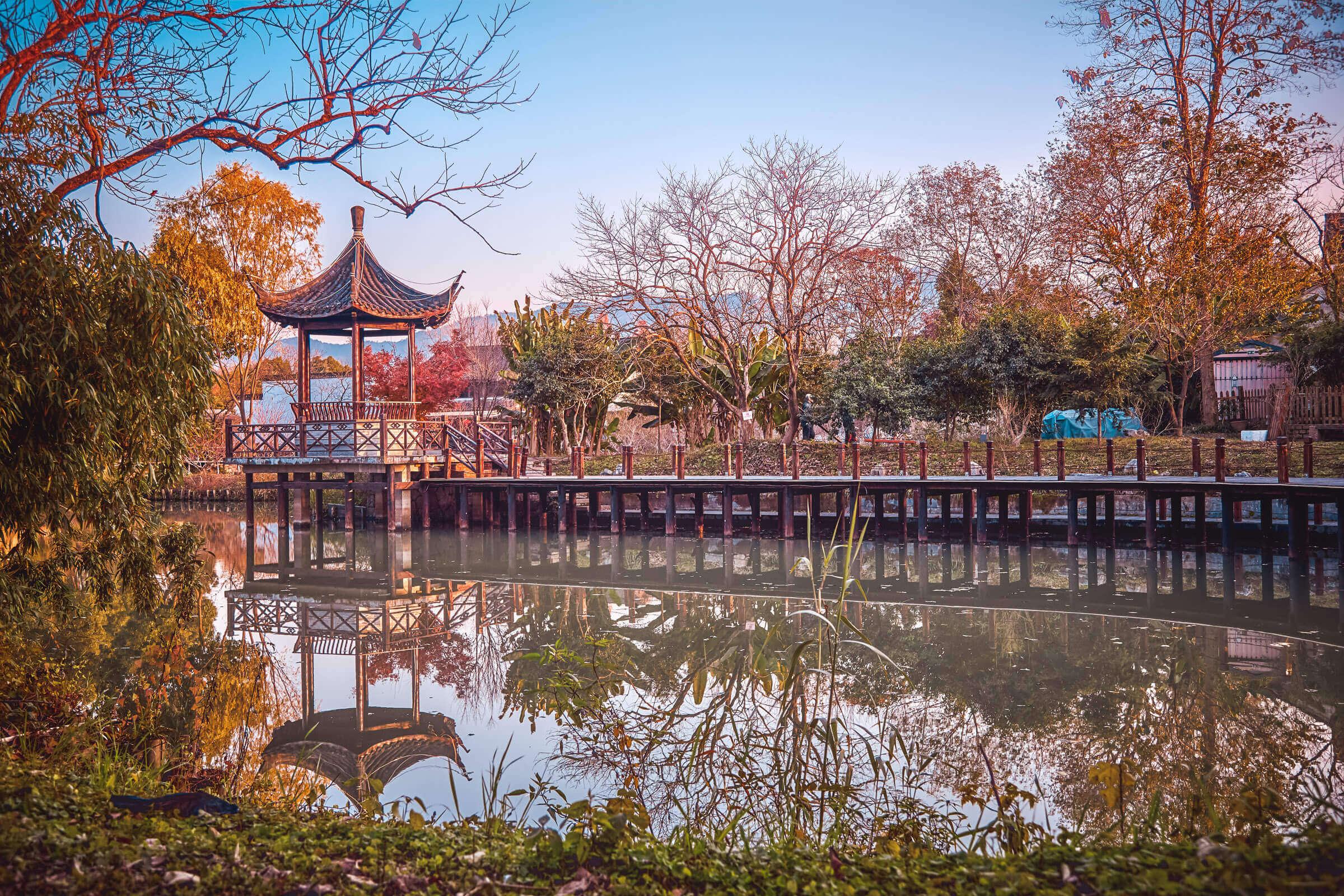Sightseeing in Hangzhou